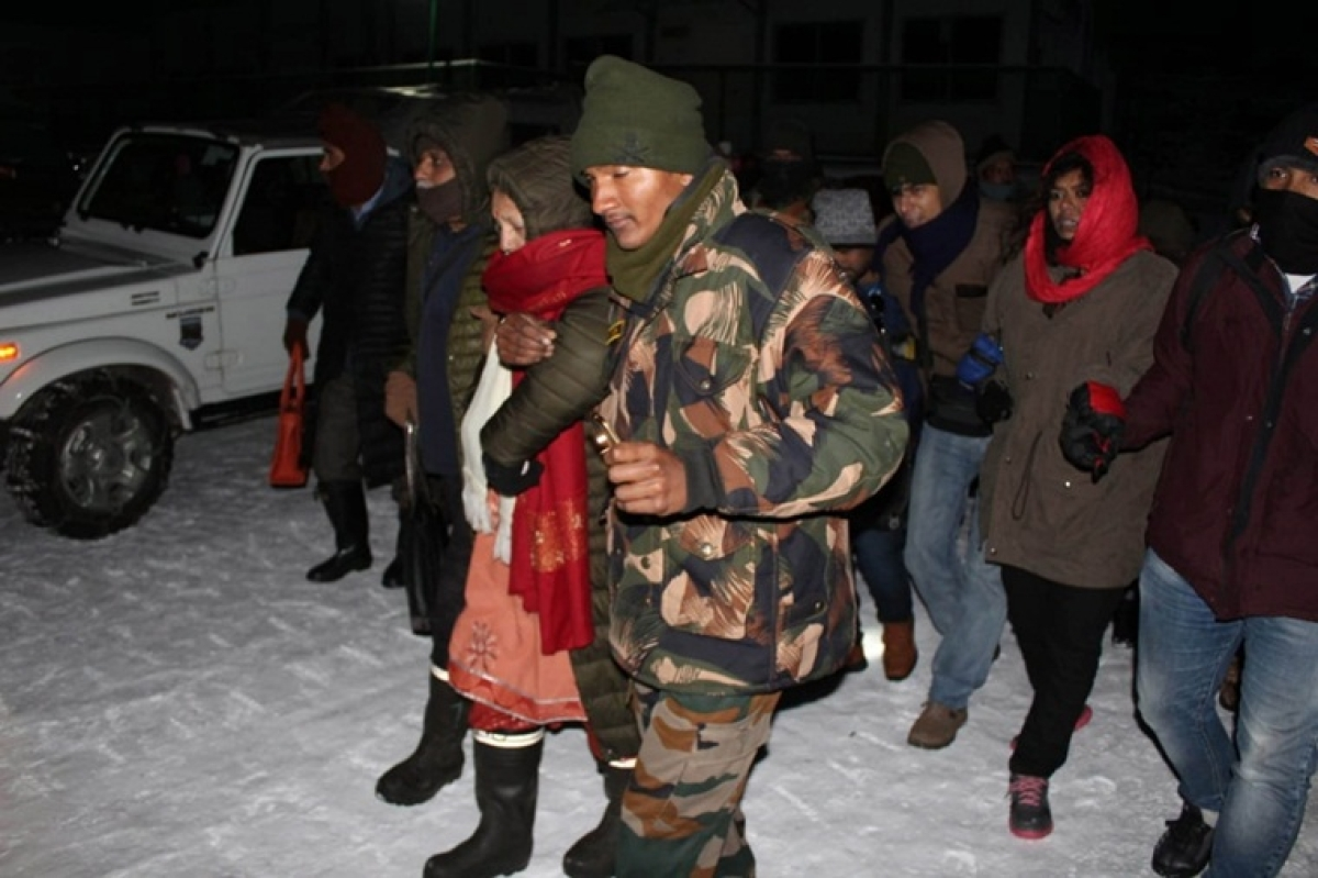 Indian Army to the rescue: Helps 1,700 tourists stranded in Sikkim