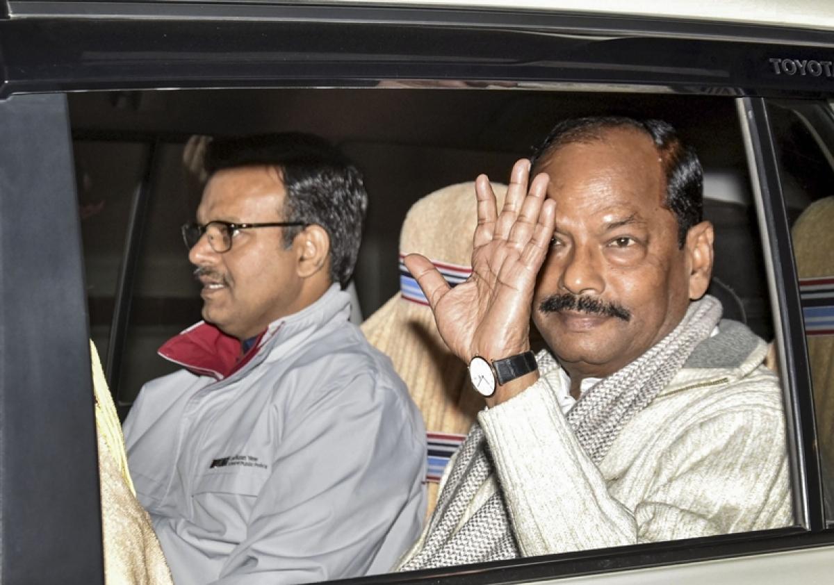 Jharkhand polls: Bid to copy Lalu Prasad was Raghubar Das's undoing