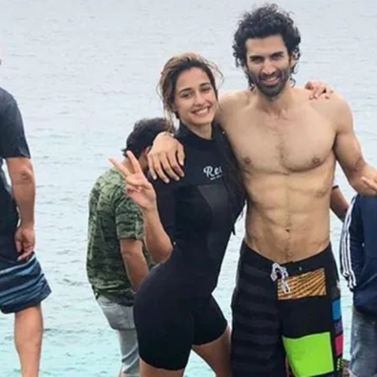 Is Tiger Shroff jealous? Disha Patani, Aditya Roy Kapur to share an underwater kiss for 'Malang'