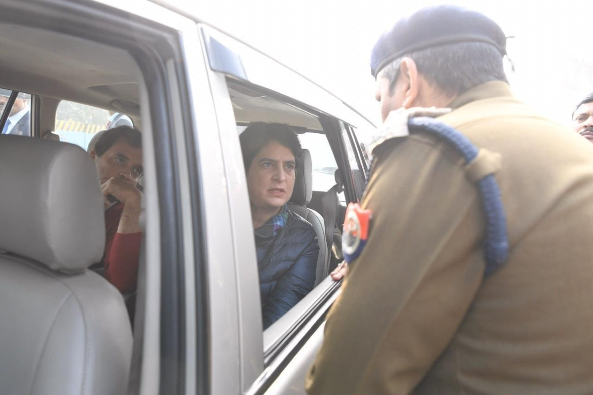 Priyanka, Rahul stopped from entering Meerut to meet CAA violence victims' kin