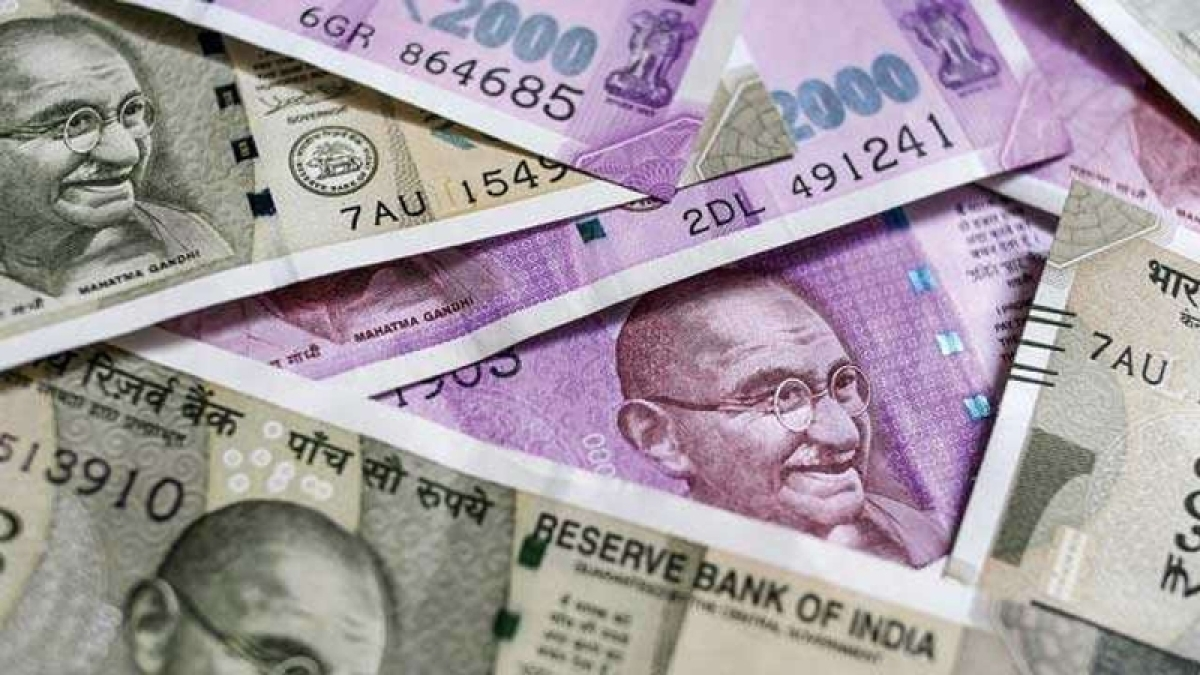 'Only up to Rs 1 lakh, not all money, insured in banks'