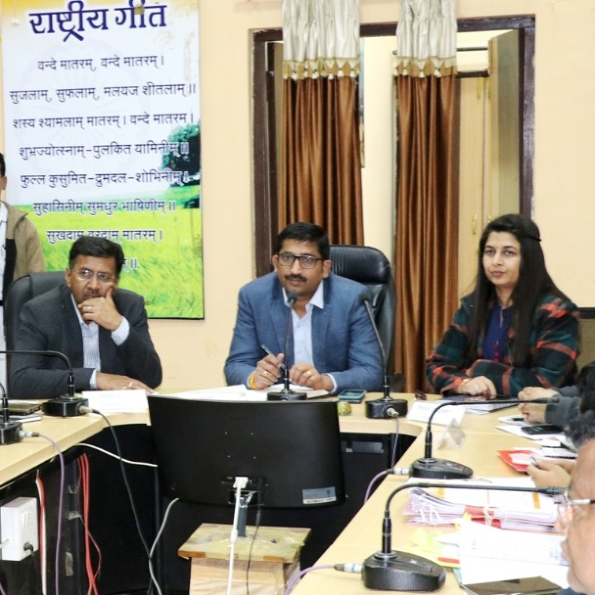 Indore: Urban bodies should increase revenue, pay attention to cleanliness, says PR department commissioner Narahari