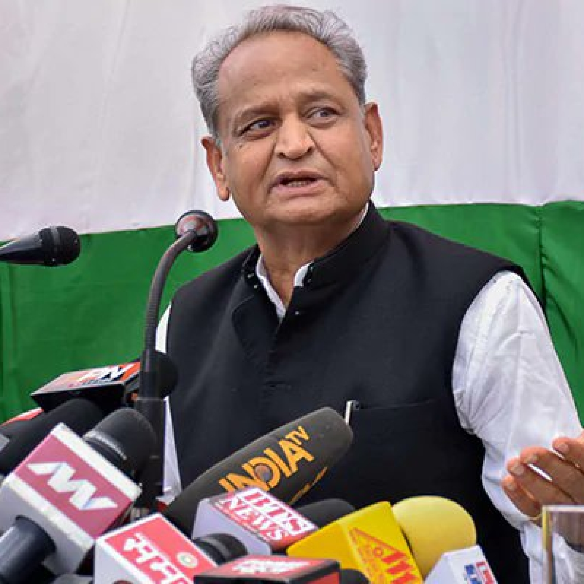 Coronavirus in Rajasthan: Ashok Gehlot cancels all meetings after 10 from CMO, CMR test positive