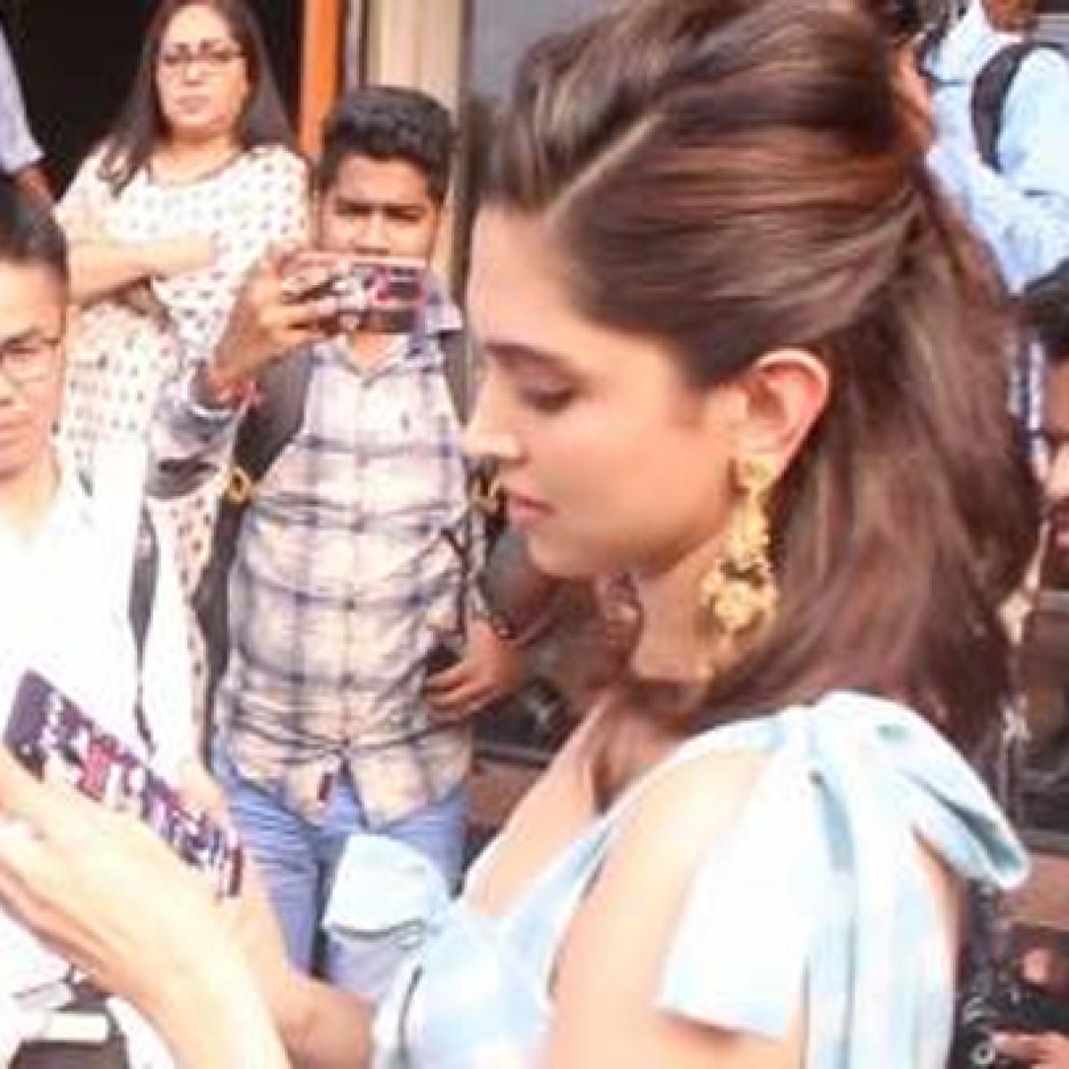 'Main use kar sakti hoon kya': Deepika Padukone wants a paparazzo's phone cover