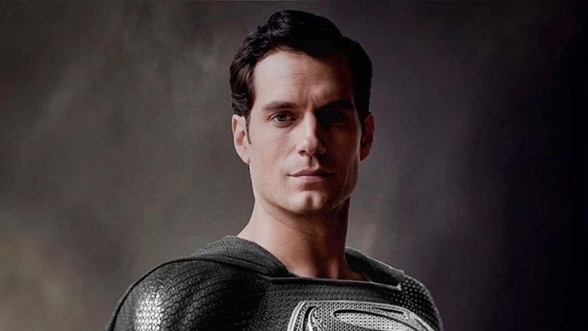 Justice League: Zack Snyder shares photo of Henry Cavill as 'Black Suit Superman'
