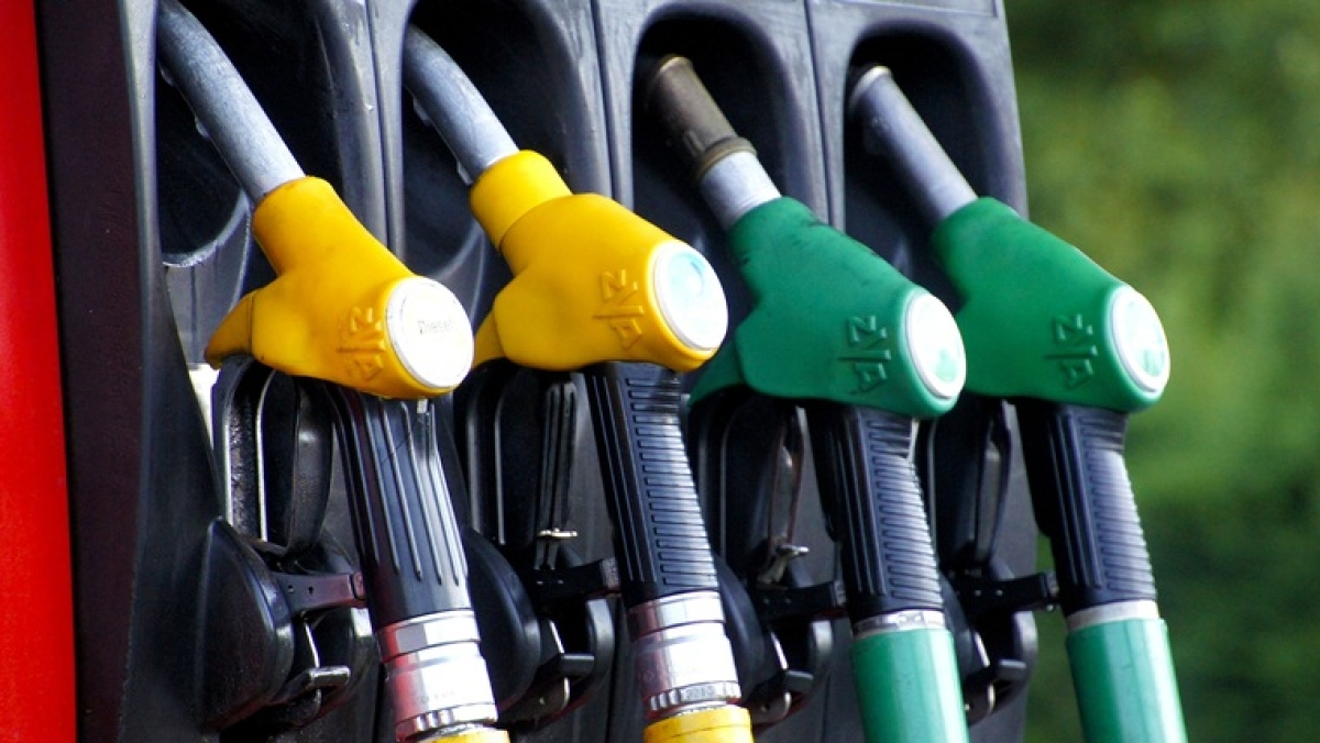 Petrol, diesel prices continue to fall for fifth consecutive day