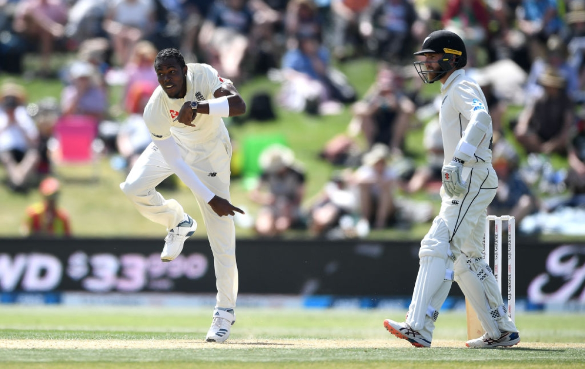 Jofra Archer bowling against New Zealand