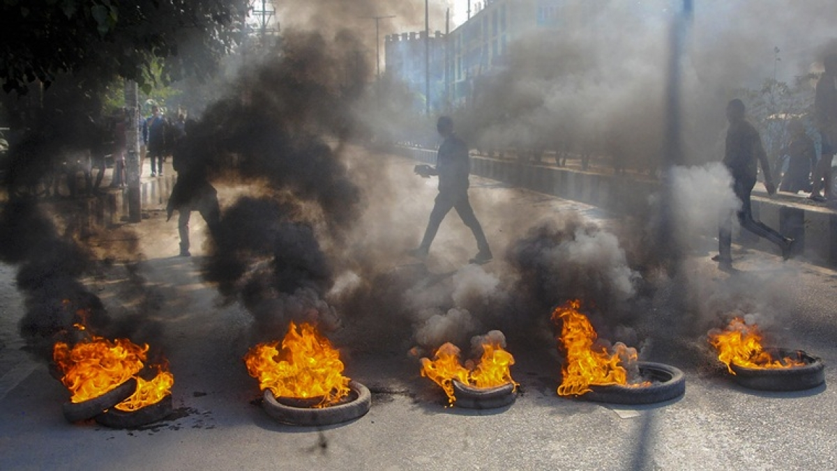 Assam Bandh: Even as CM Sonowal hails CAB, agitators clash with security forces