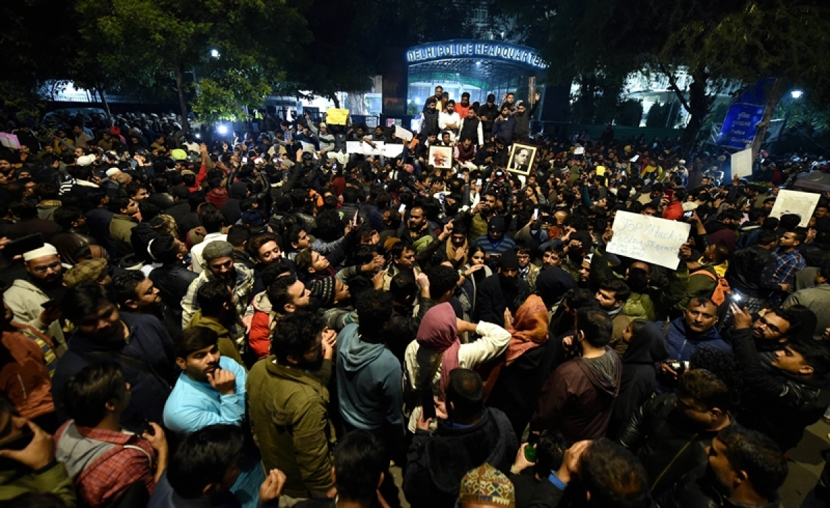 Citizenship Act: Several Delhi University students boycott exams, hold protests