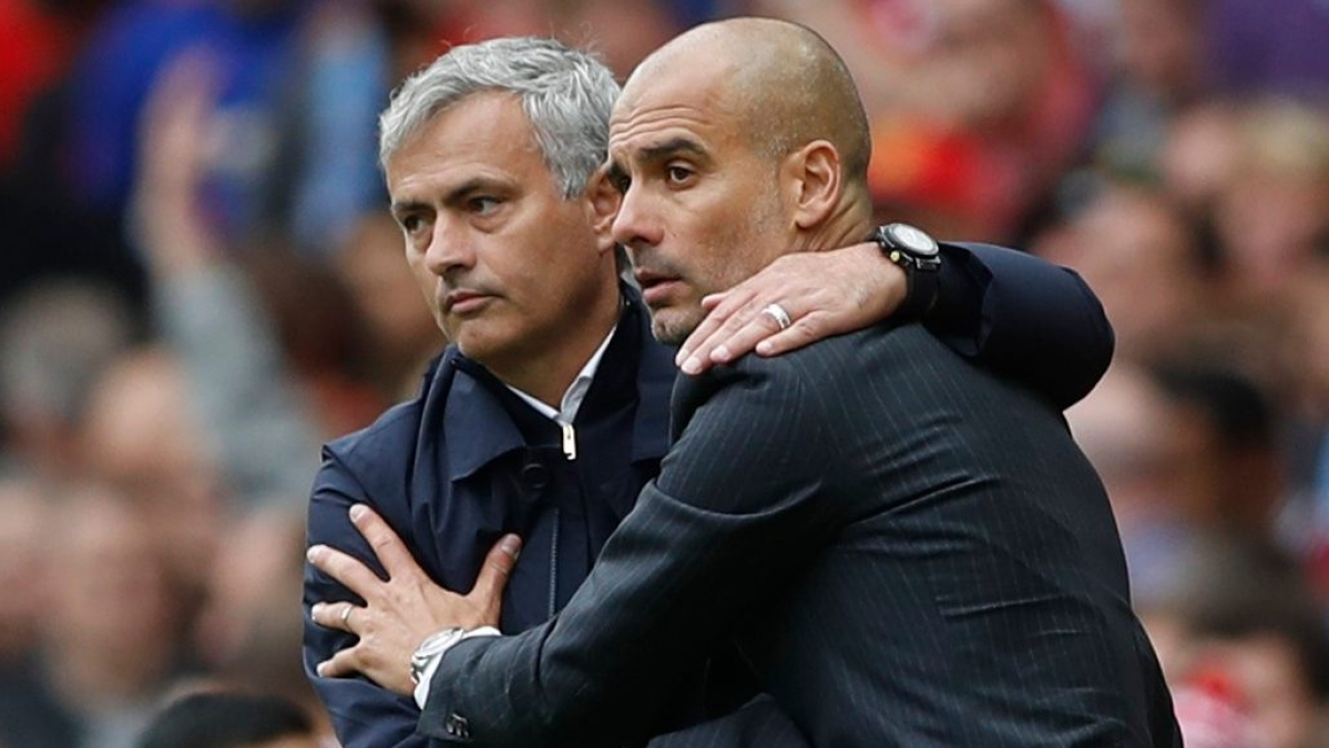 Jose Mourinho (left) with Manchester City manager Pep Guardiola