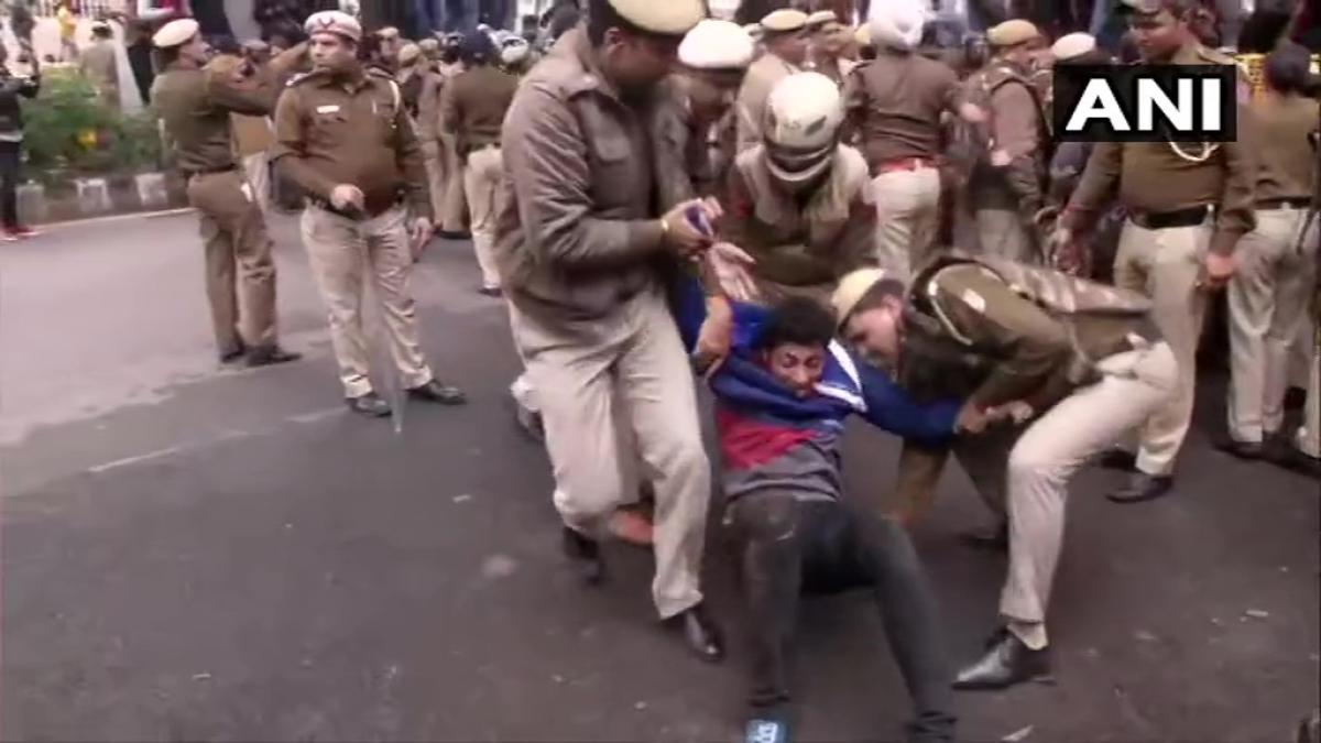 Watch: CAB protests spread to Jamia Milia Islamia University in Delhi, police bash students
