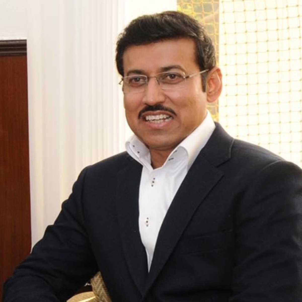 'Those who live in glass houses shouldn't throw stones': Twitter trolls Rajyavardhan Rathore for mocking 'secular liberals'