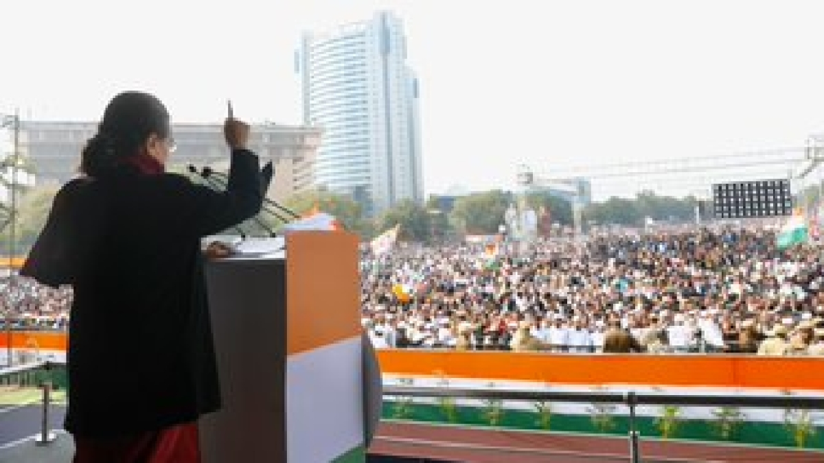 Youth, students have woken up: Sonia's warning to Modi