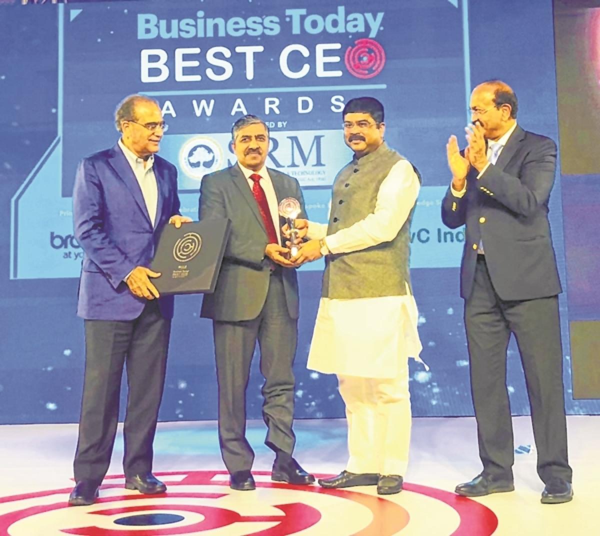 BC Tripathi, former GAIL CMD, receives 'Best CEO' Award