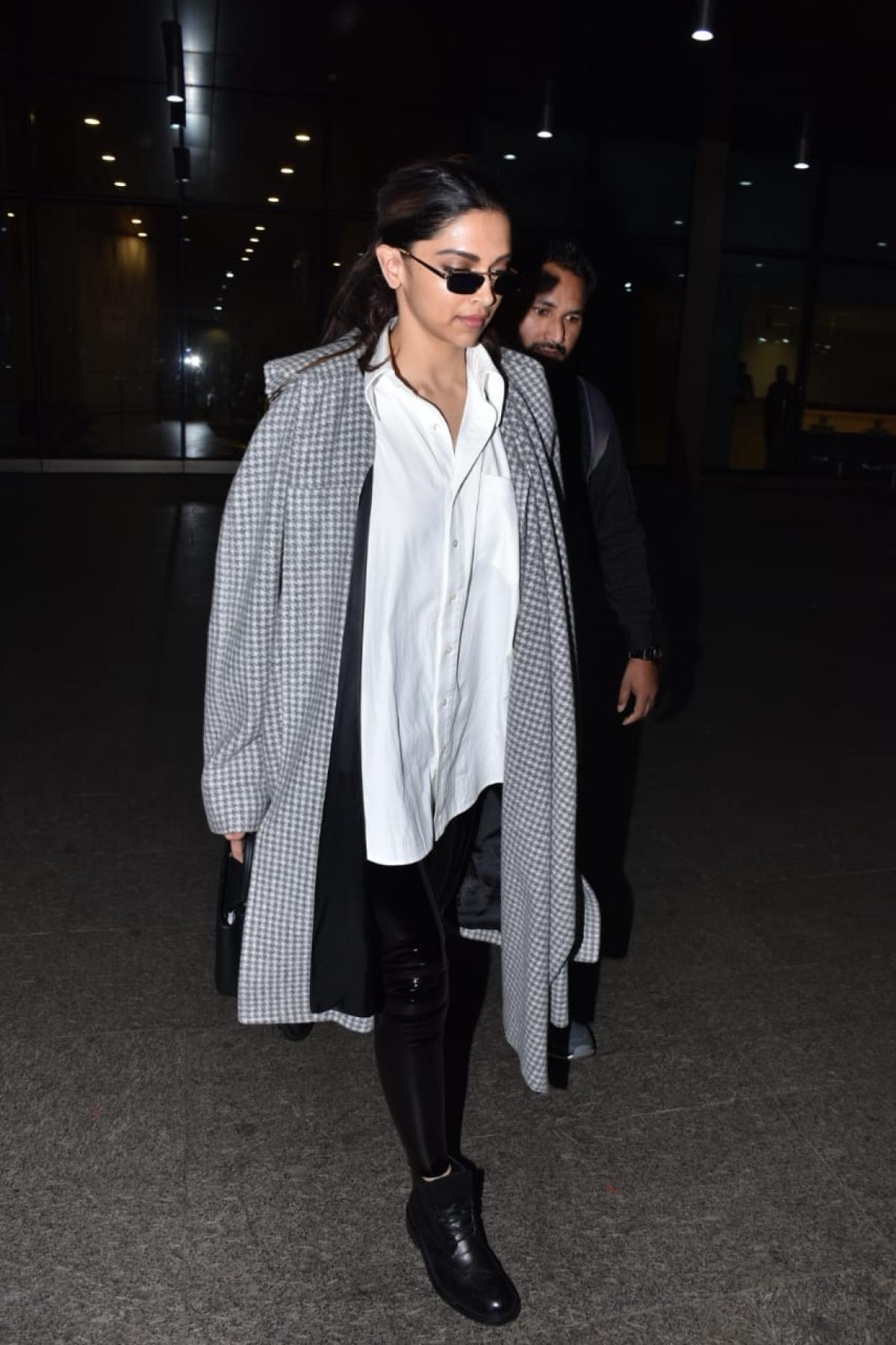 Deepika Padukone at Mumbai airport