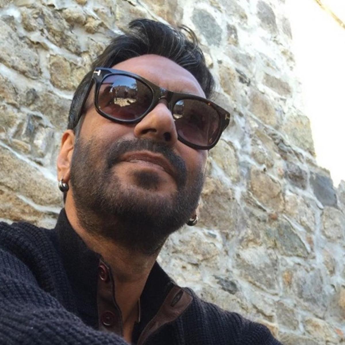 Ajay Devgn to chose between Sanjay Leela Bhansali and Aanand L Rai?