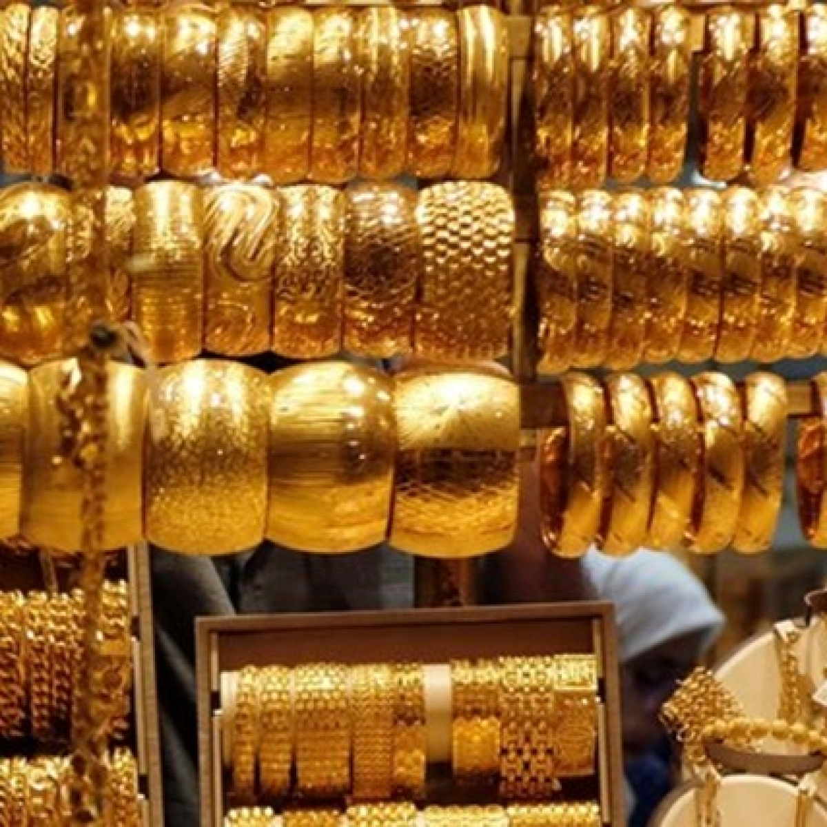 Gold eases by Rs 131, silver down by Rs 590 on first day of 2020