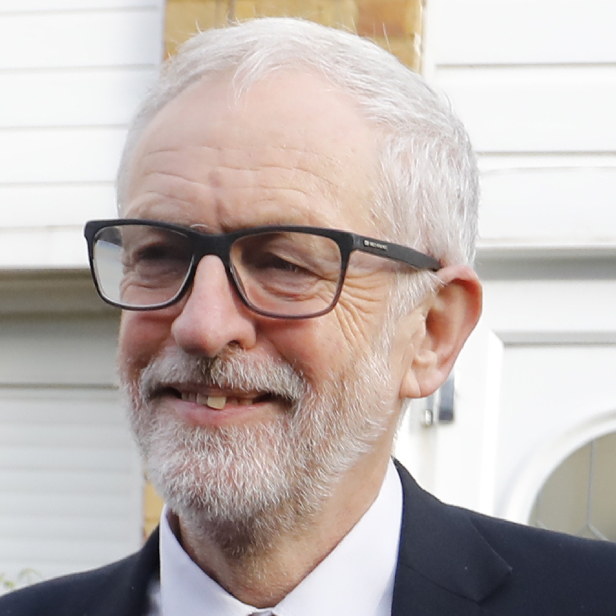 Corbyn's sons slam attacks against father on twitter