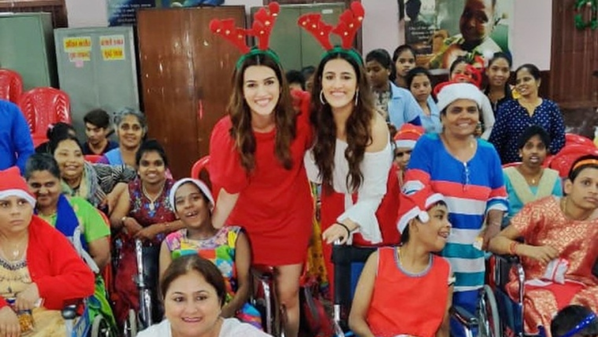 Sibling duo Kriti and Nupur Sanon celebrate Christmas with specially-abled kids