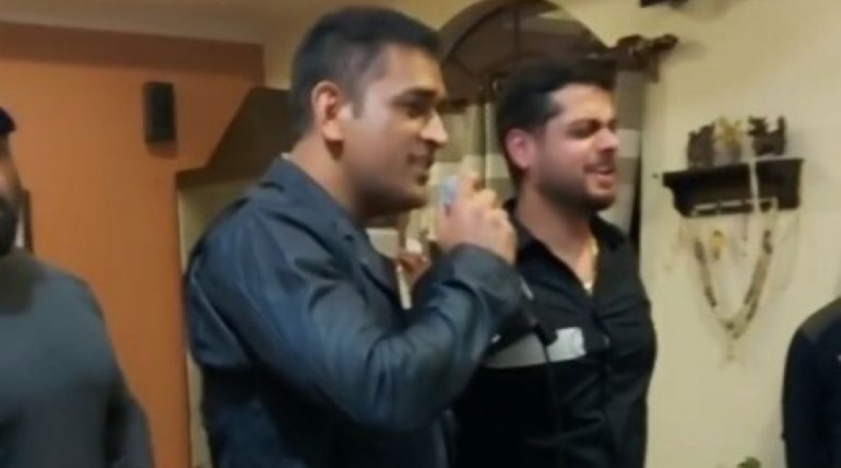 MS Dhoni singing Kumar Sanu shows that he's a man of many talents