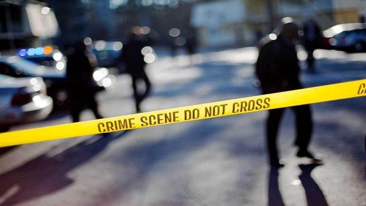Shooting at suburban Atlanta mall's food court injures 1 as shoppers flee