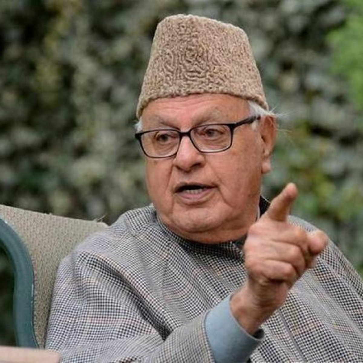 Farooq Abdullah writes to Shashi Tharoor, says 'we are not criminals'