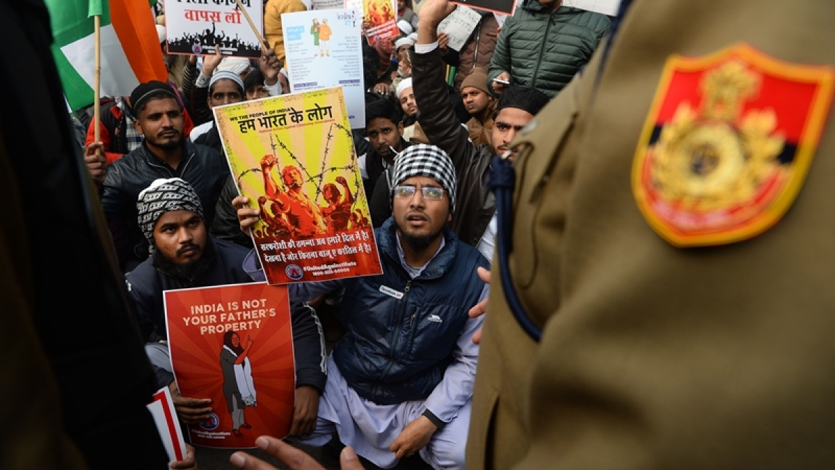 CAA Protests: Mobile communication lockdown brings Delhi to a standstill