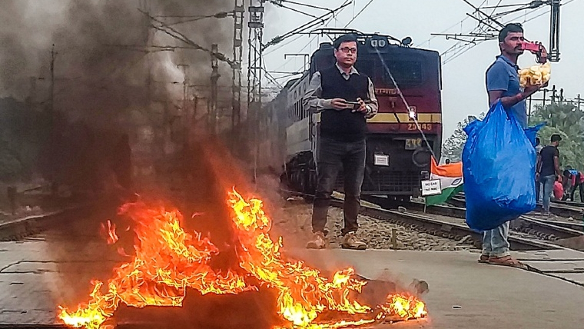Railway station set on fire in West Bengal's Murshidabad by Anti-Citizenship Act protesters