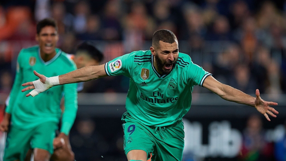 Karim Benzema leads Real Madrid to 3-0 win against Valencia, becomes club's fifth-highest goalscorer