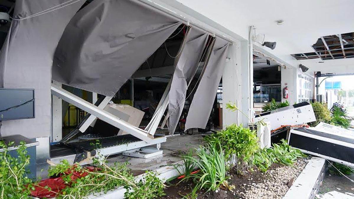 Philippines: Typhoon kills 2, international airport shut down in Manila