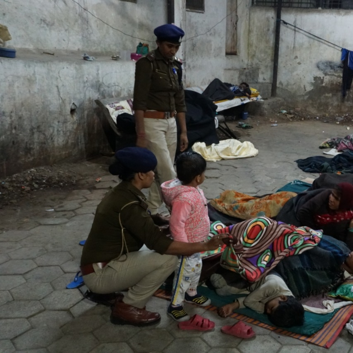 INDORE: Treat homeless people with humanity, officials tell staff
