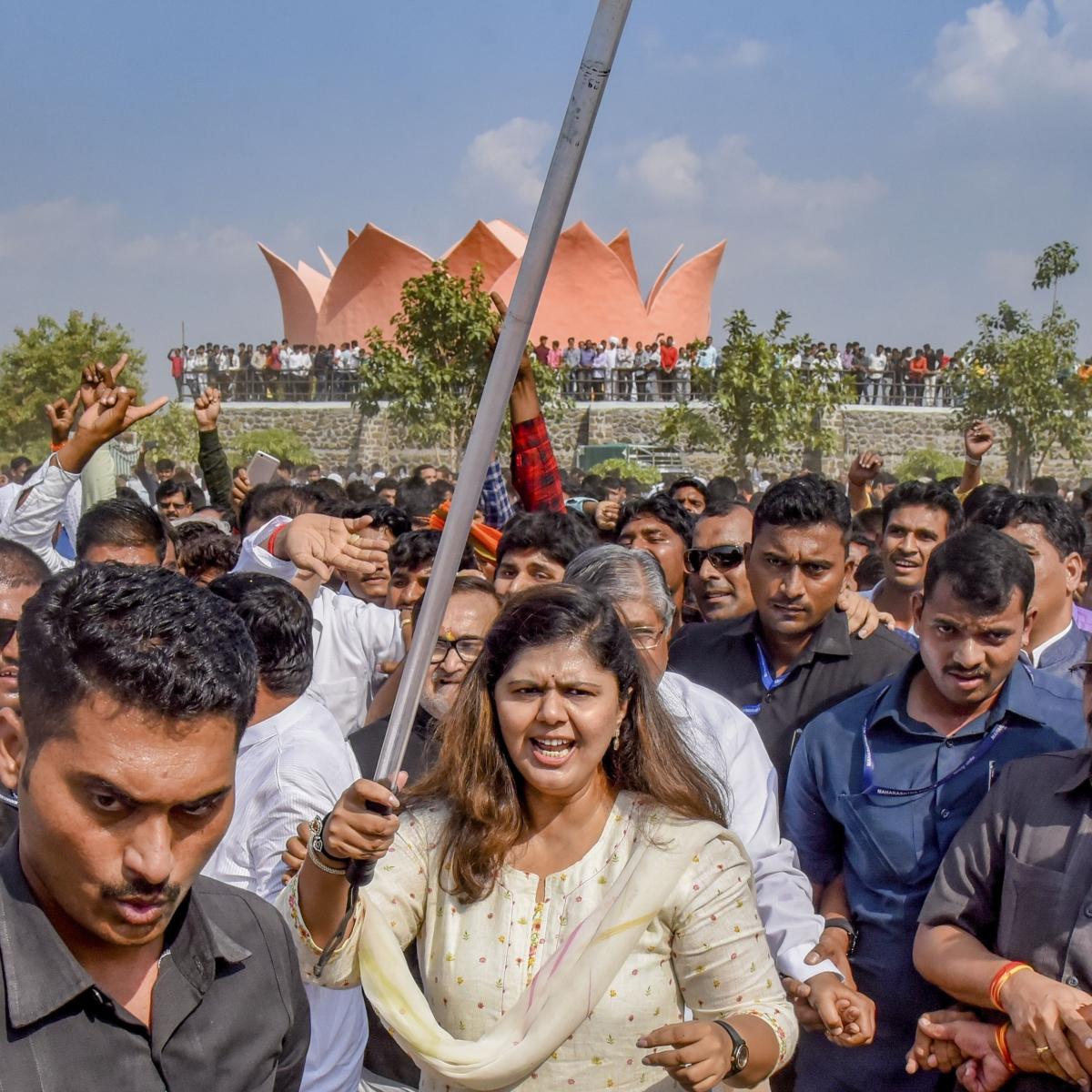 Pankaja Munde dares BJP leadership to sack her