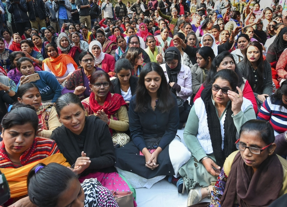 Delhi: DCW Chairperson Swati Maliwal continues her hunger strike at Raj Ghat