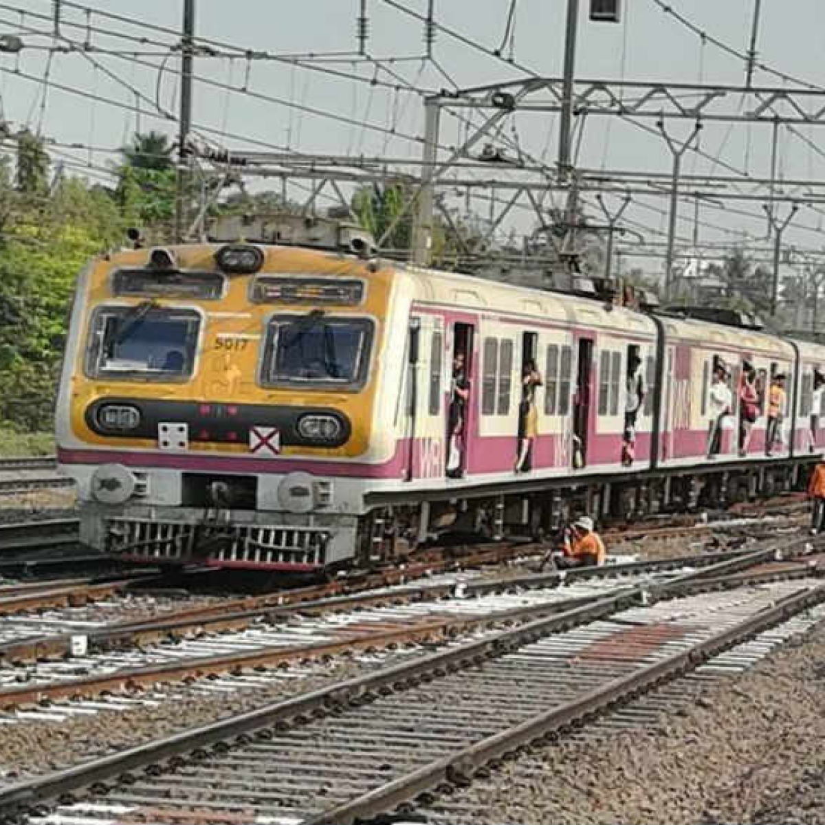 Mumbai: A 'holiday' special commute to work