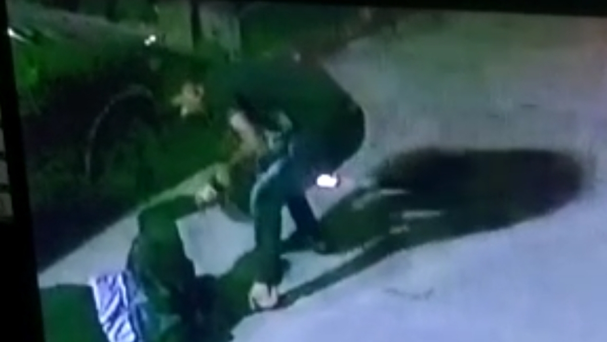 Indore: Robbers snatch bag from bizman who fights back