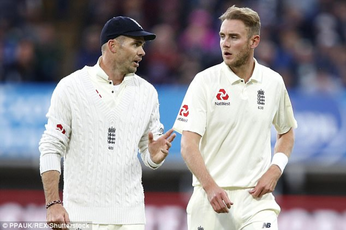 England to drop a senior bowler in place of  spinner