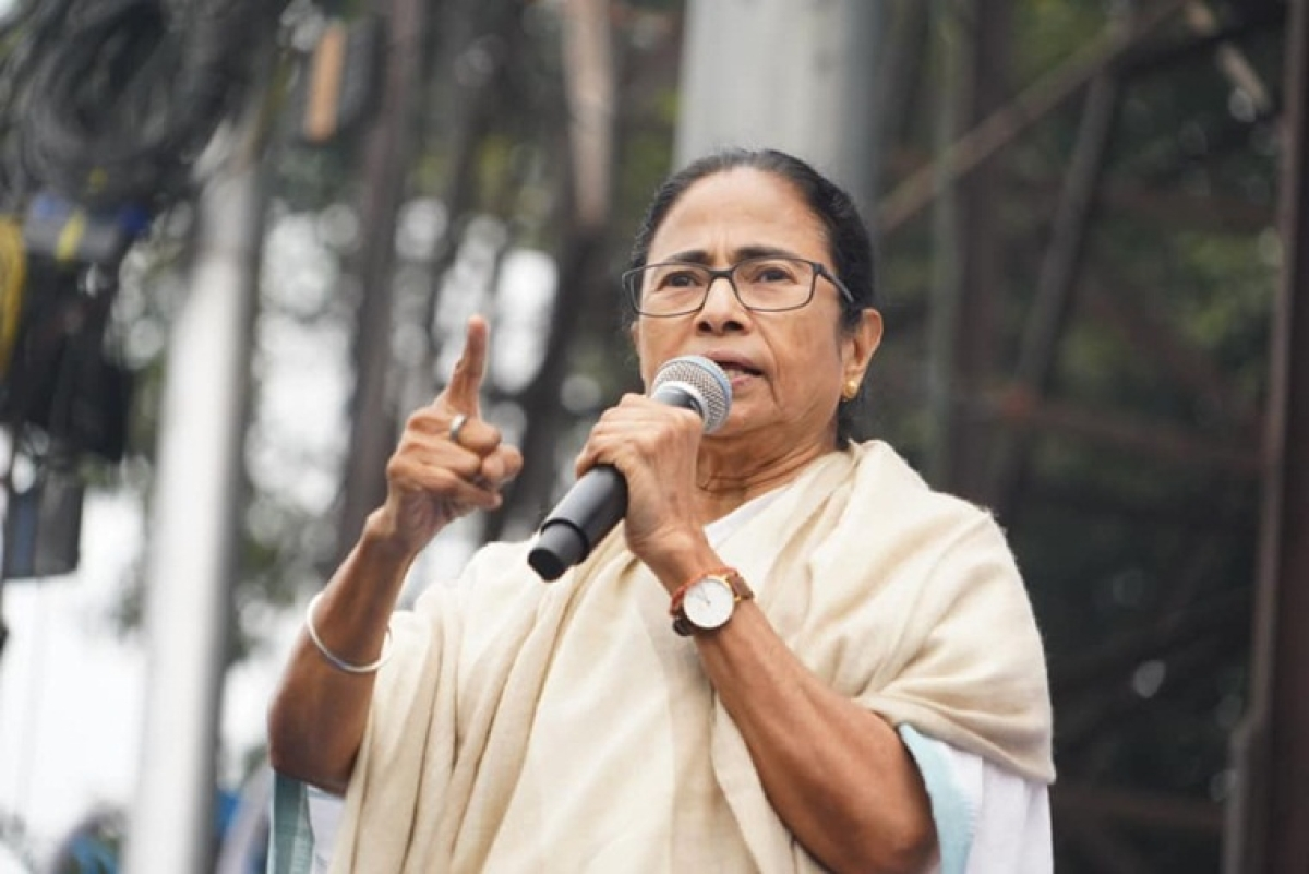 Mamata gives Rs 5 lakh compensation to kin of deceased during anti-CAA protest in Mangaluru