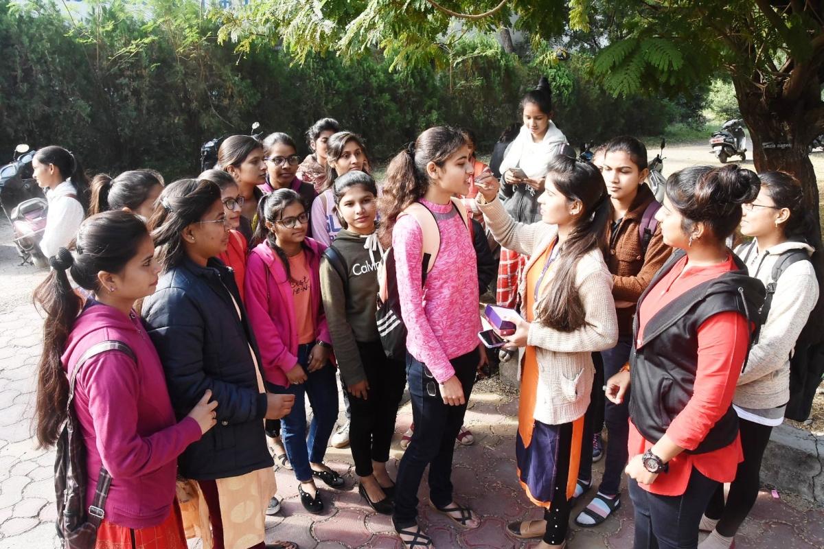Denizens & social organisations celebrate encounter of rapists in Ujjain