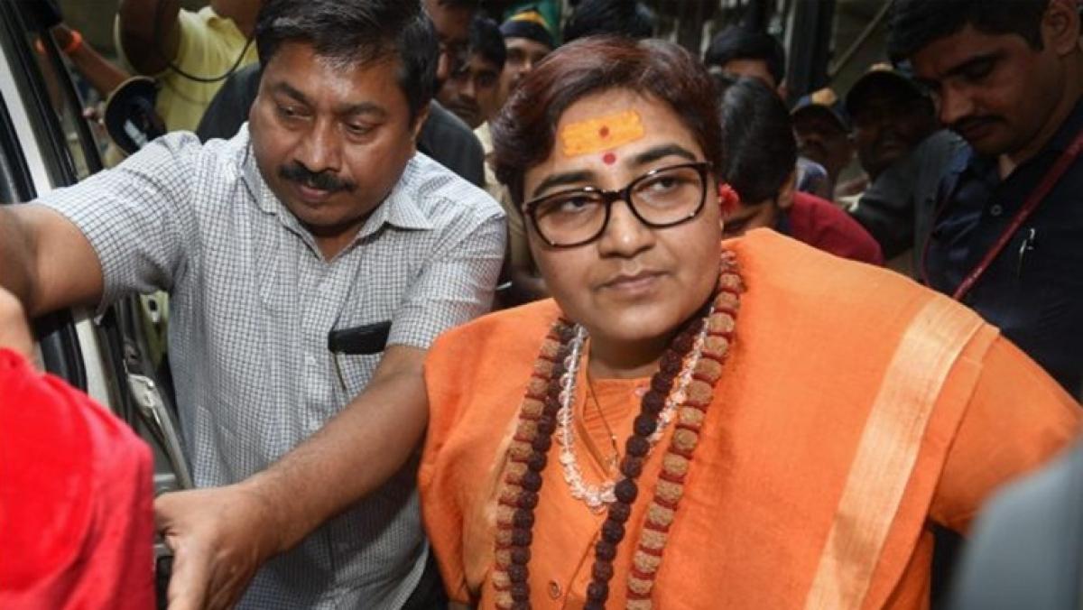 'Terrorist go back': NSUI workers heckle Pragya Thakur at University in Bhopal
