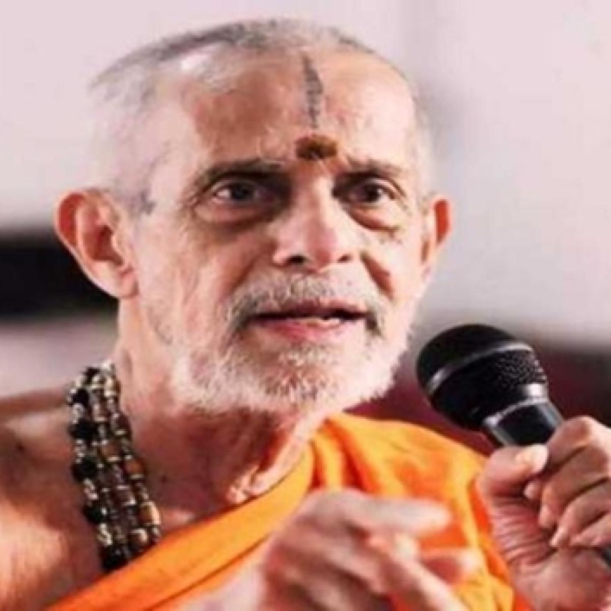 PM Modi leads nation in paying tributes to Vishwesha Theertha Swamiji