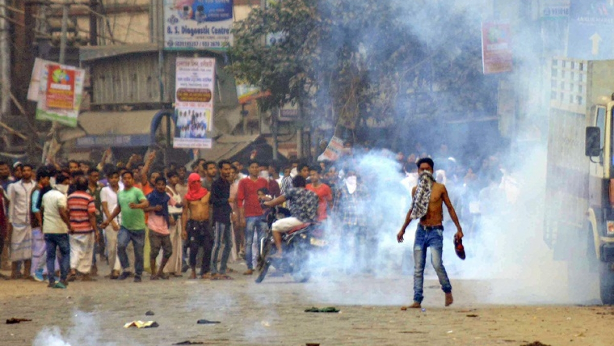 Anti-CAA protests continue to hit rail, road traffic in West Bengal