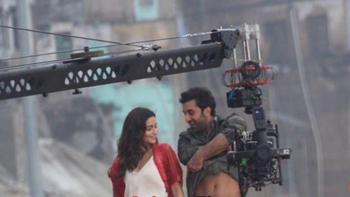 Watch: Alia Bhatt fixates on Ranbir Kapoor as he removes shirt while dancing in Varanasi