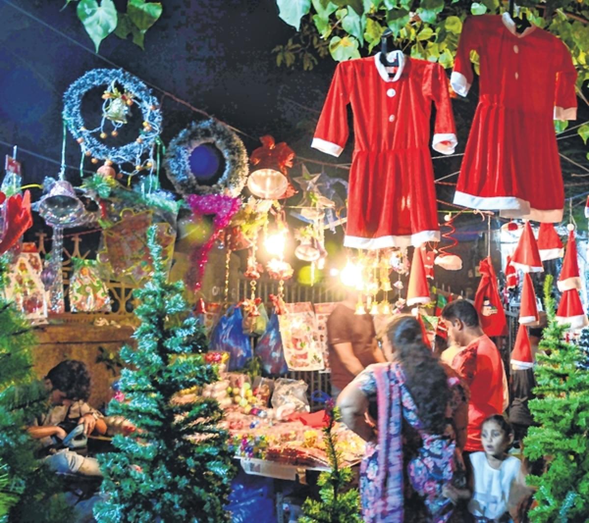 Jingle all the way: Mumbaikars gear up to celebrate Christmas