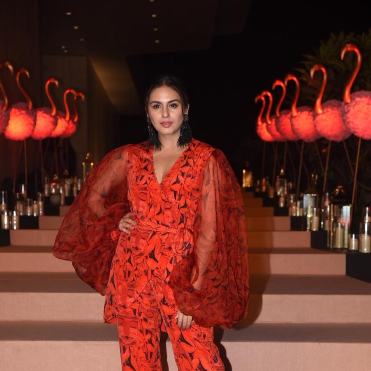 Huma Qureshi wants to 'eat' Varun Dhawan's cheeks; Natasha Dalal are you listening?