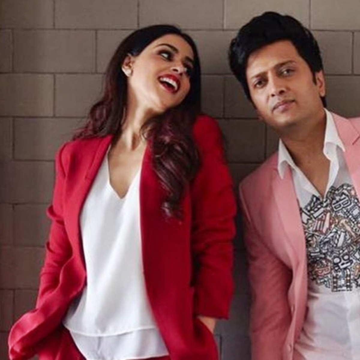 Genelia pens down a heartfelt birthday post for Riteish Deshmukh