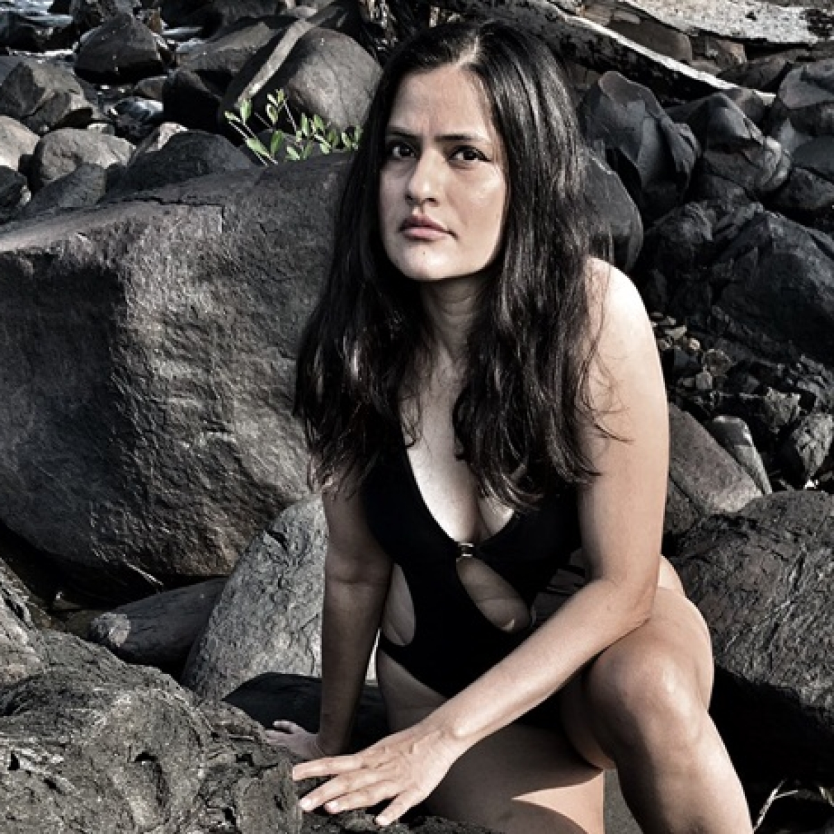 Sona Mohapatra on the rocks: 43-year-old singer looks fierce in a sexy black monokini