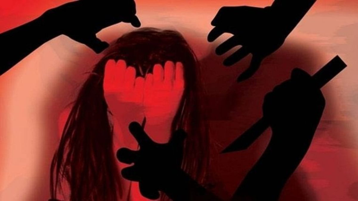 Rape victim attacked with acid by accused for refusing to withdraw case in Uttar Pradesh