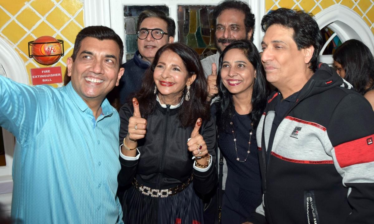 From Mumbai's party ciruit...