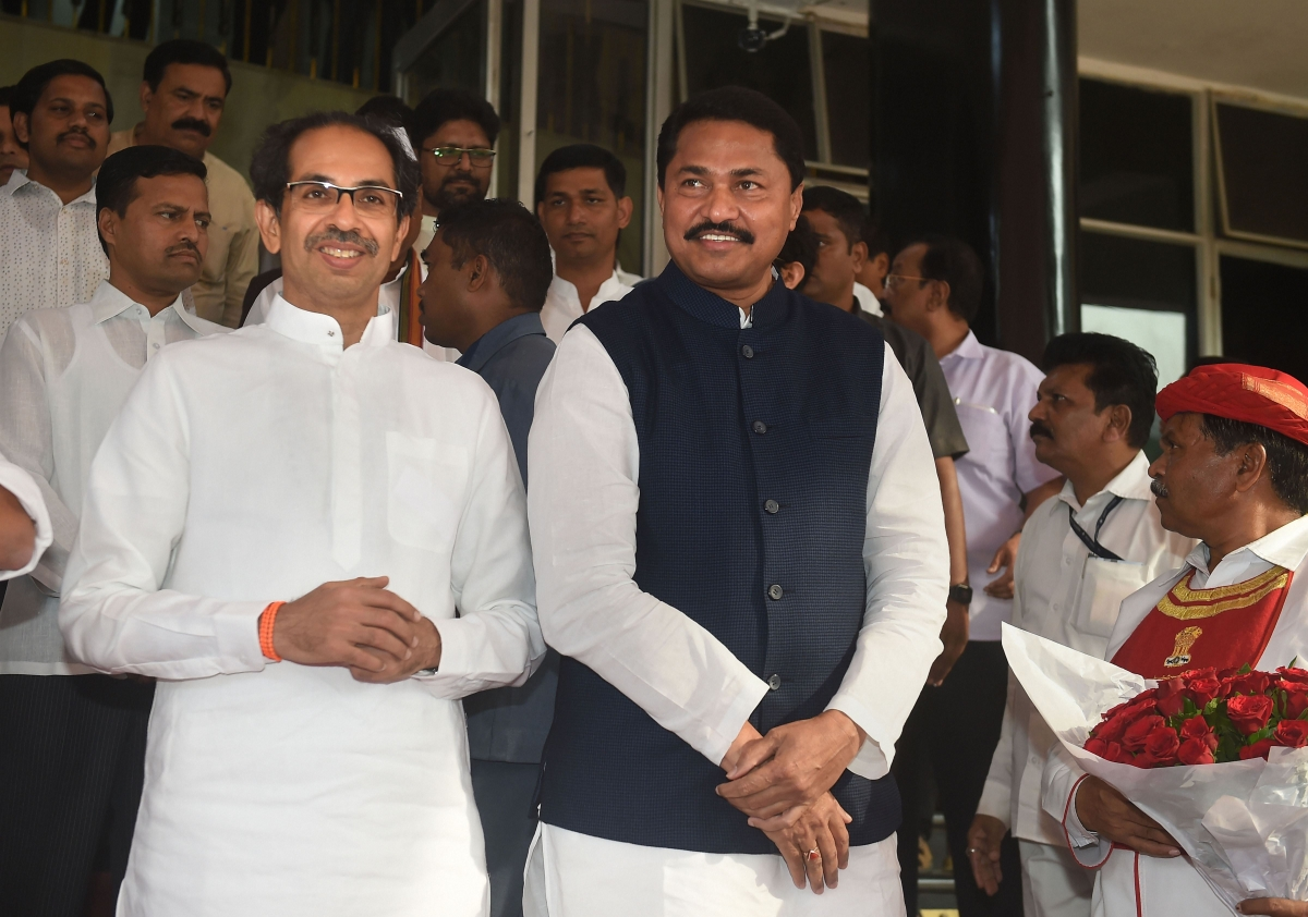 Mumbai: Are there plans for mid-term polls, asks Sena after Nana Patole's talk of going solo in 2024