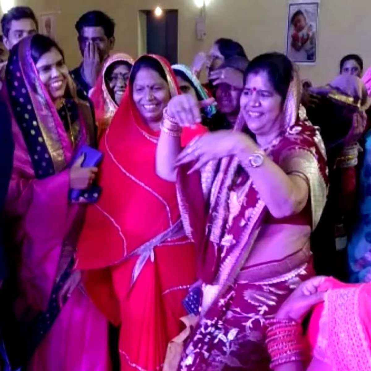 Video of MP minister dancing on Bollywood number goes viral